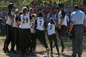 Softball pushes past Parkway South