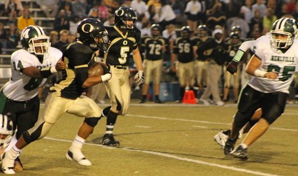 Football takes on FrancisHowell North