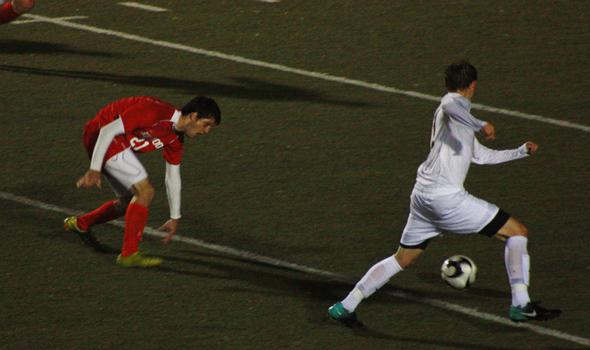 Boys soccer overcomes rain, defeats Kirkwood