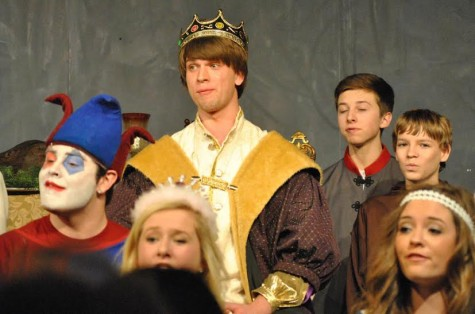 Madrigal Mayhem: Choir Prepares For Dinner Theatre