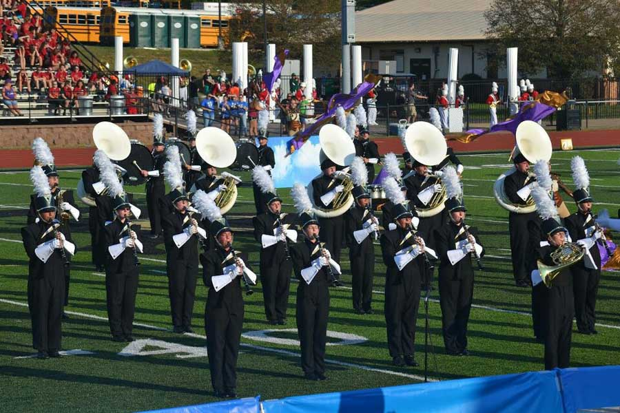 Marching+Tigers+perform+in+competition+in+Farmington.