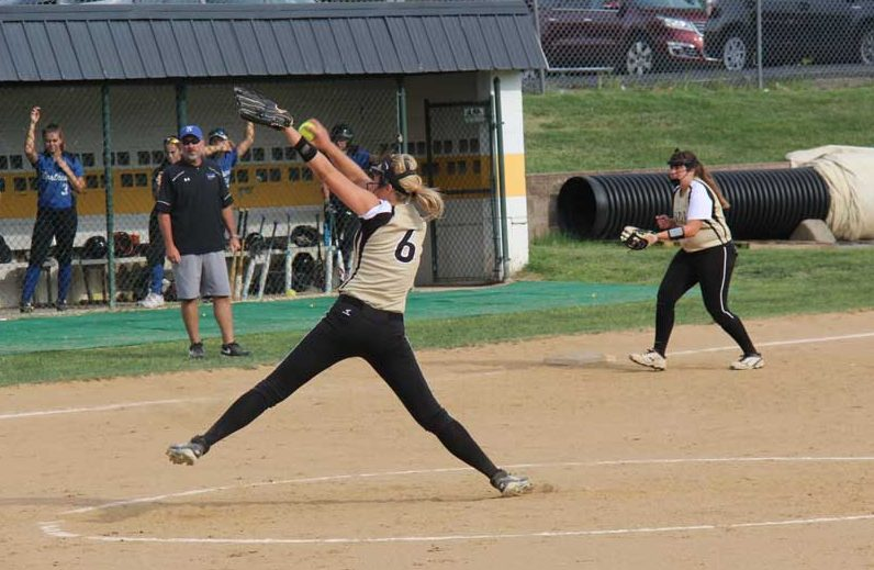 Calynn Gicante (10) pitches the ball at the Northwest hitter on Aug. 31.