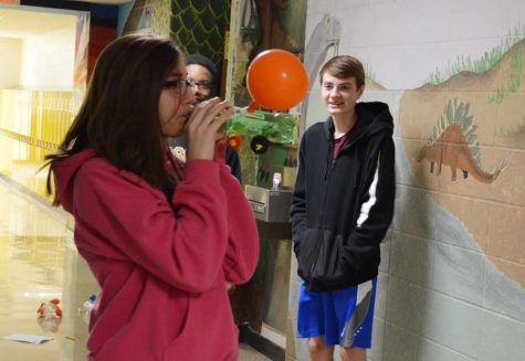 Neeley's science class creates balloon cars
